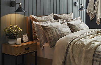 HOW TO MAKE UP YOUR GUEST ROOM