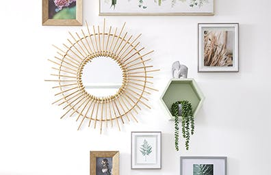 HOW TO CREATE A PICTURE PERFECT GALLERY WALL