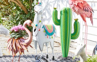 TOP TIPS FOR DECORATING YOUR GARDEN