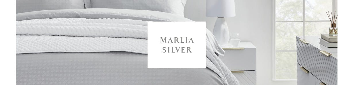 A soft grey is delicately woven into jacquard cane pattern in soft, luxurious 300 thread count cotton
