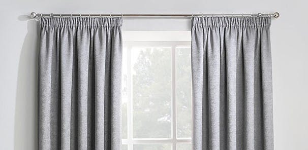 Traditional style, Top edge can be gathered using strings, Hung using hooks or rings, Suitable for curtain tracks and poles, our range: 200 products with a choice of colours, patterns and linings