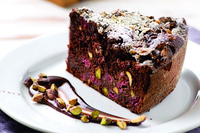 Torta cioccolato lamponi e pistacchi