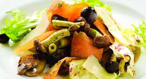 Insalata funghi e verdurine
