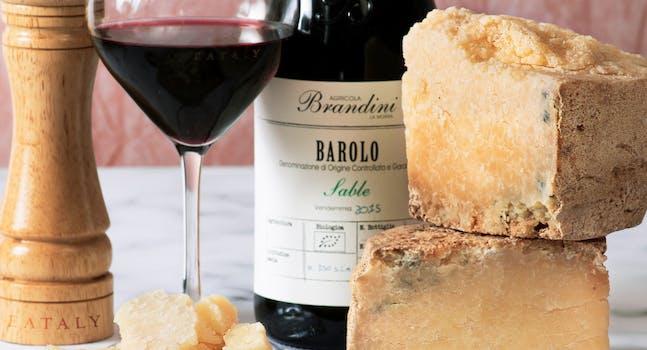 Castelmagno e vino Barolo Brandini
