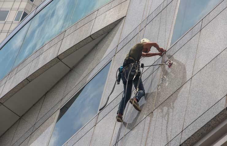 Construction Safety Training Program  - Harnessing
