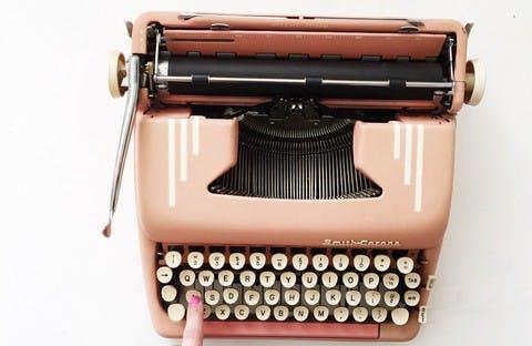 E908aefa8e3290b7677599faefcf7568c006e614 vintage typewriter t20 pqao9y 1
