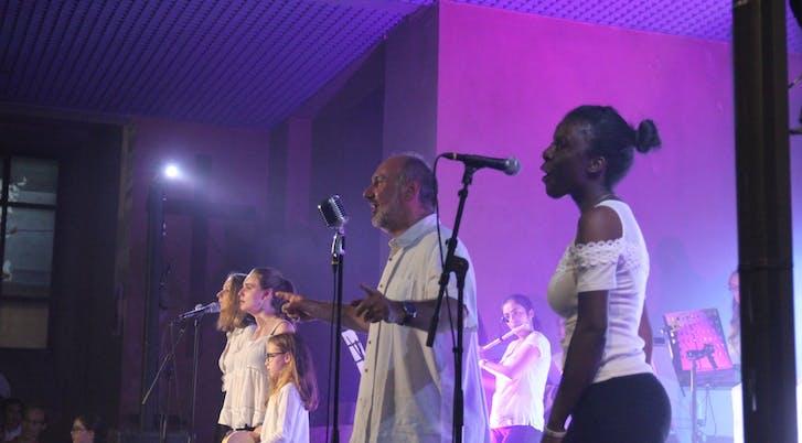 Diane, Gabrielle, François et Sylvaine au chant