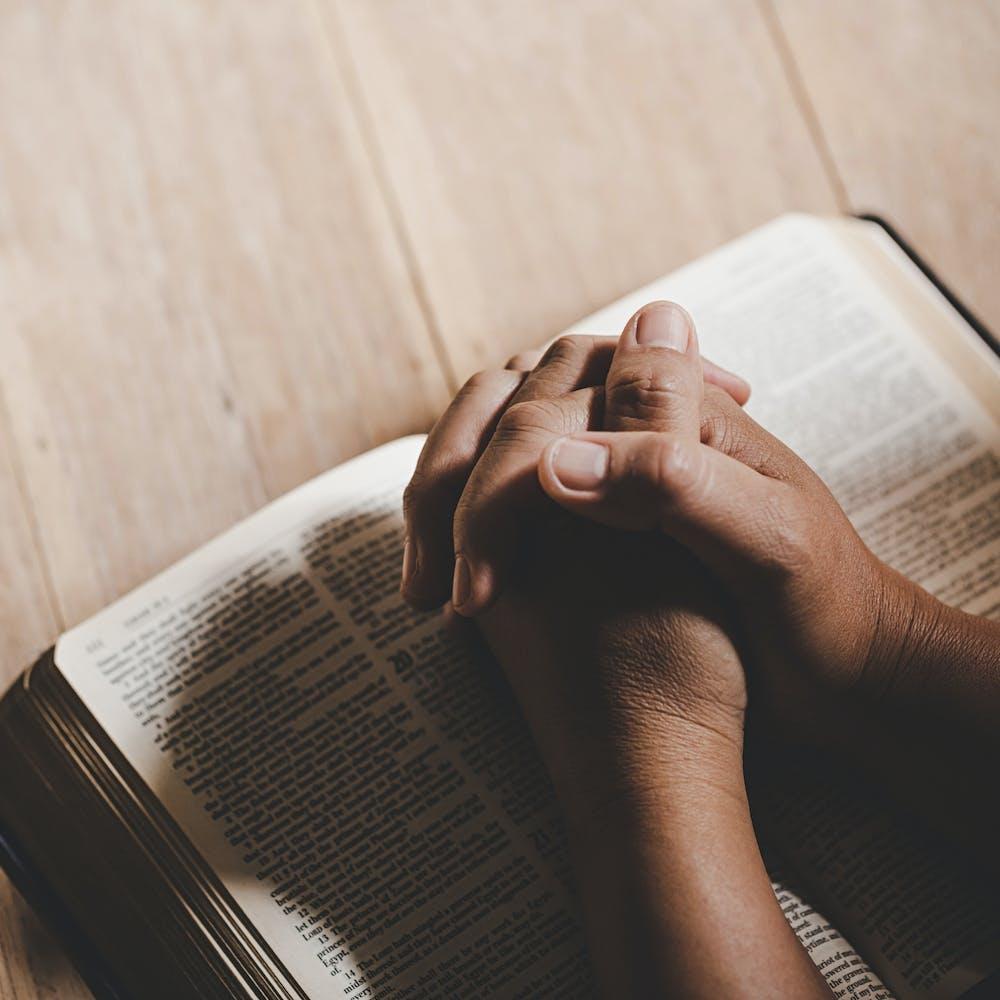 Prière, bible