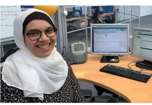 Portrait d'Hakima, au service client d'ekWateur