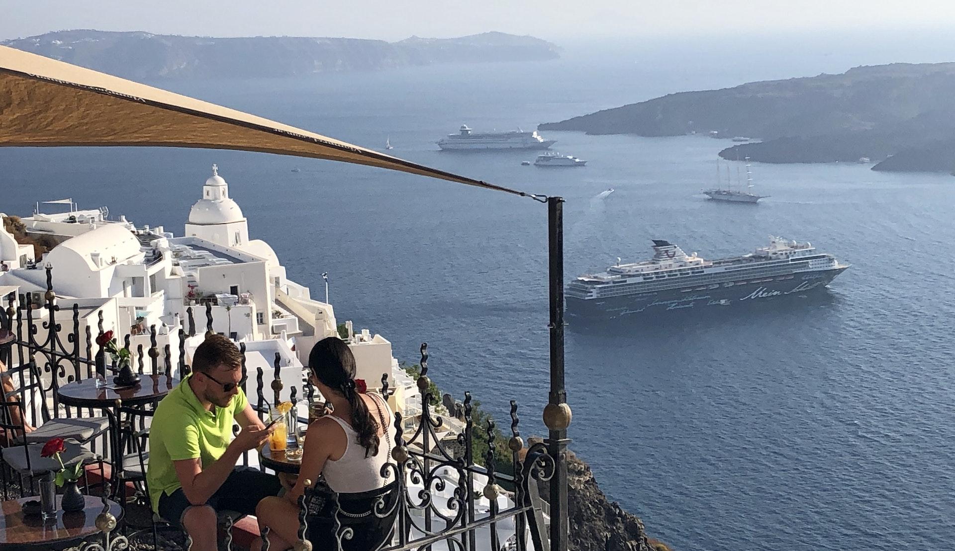 Santorini risteilyllä