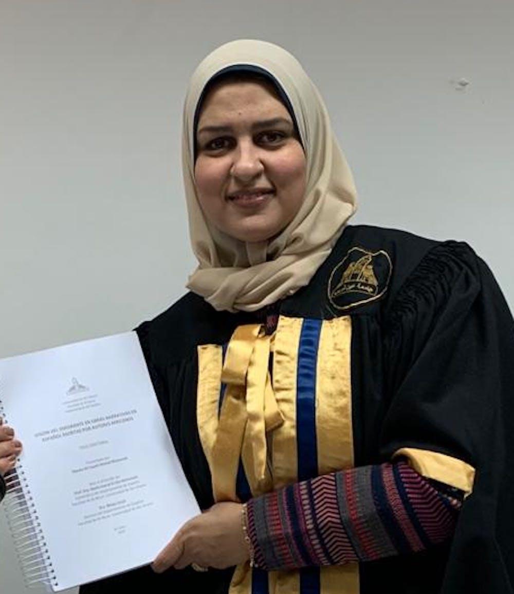 Doctorado en Literatura Española por la Universidad de Ain Shams en el Cairo, Egipto.