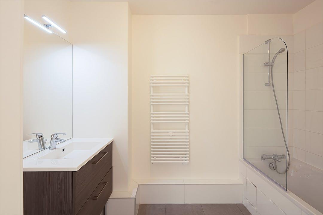Salle de bain du programme immobilier 23-31 rue Jean Pierre Timbaud à Chatillon