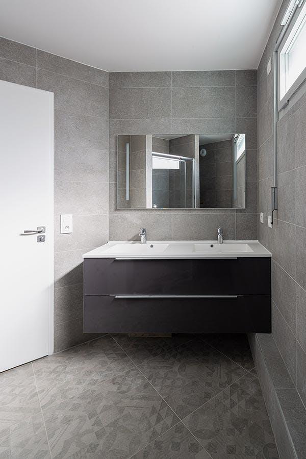 Salle de bains d'un appartement neuf de la résidence 23 Crimée