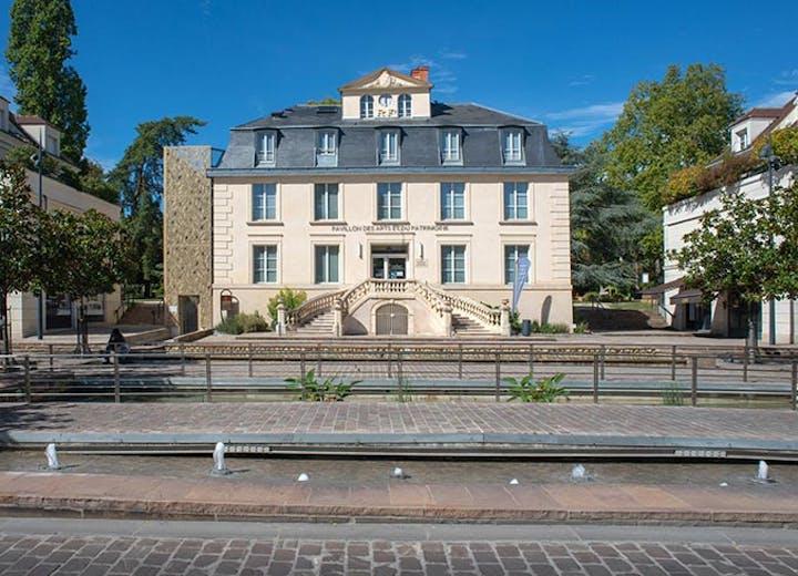 Route du Plessis Piquet à Châtenay-Malabry : pavillon des arts et du patrimoine MEDIAS MOBILE