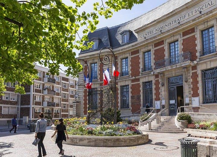 Place de la République à Saint-Ouen