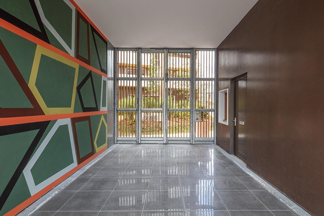 1 immeuble, 1 oeuvre dans le hall d'entrée du programme immobilier neuf Les Allées Maria Casarès à Gennevilliers
