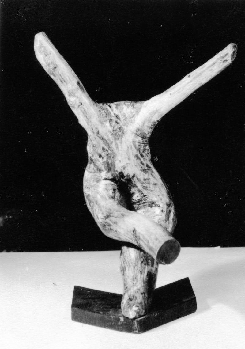 Rădăcină de copac sub forma unei balerine