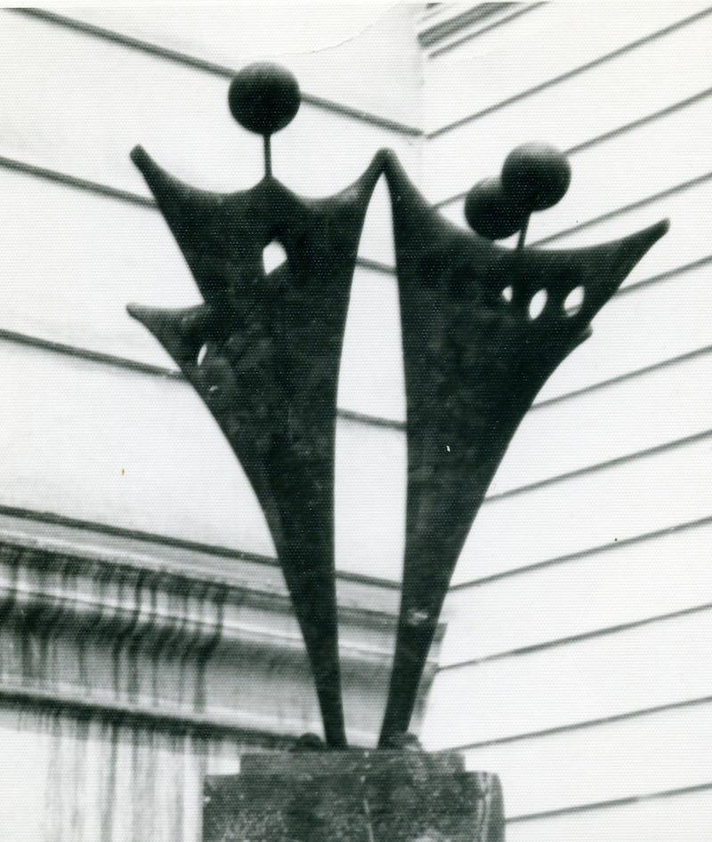 Lucrare din metal reprezentând hora unirii, fotografie de colecție