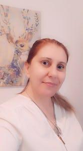 Terapeuta Reiki // Taróloga ( facilitadora de cura através do Tarot) // Facilitadora de Meditação