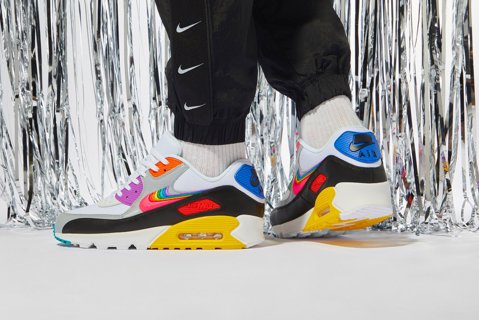 END. Features | Nike Air Max 90 Betrue