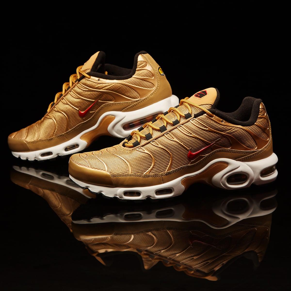 Nike Air Max Plus QS 'Metallic Gold