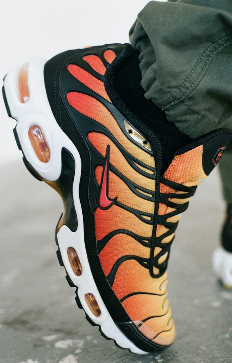 ever popular meet best quality END. Features | Nike Air Max Plus (TN) OG 'Sunset Orange ...