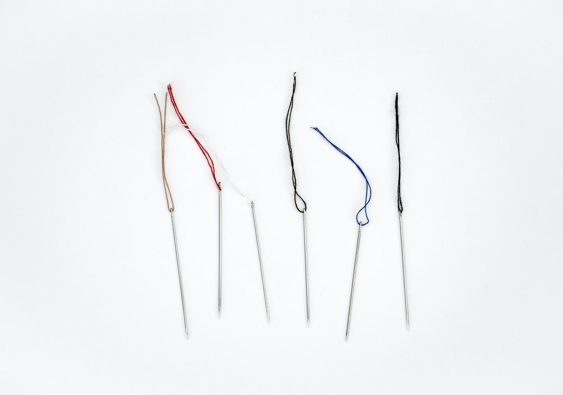 needles with thread