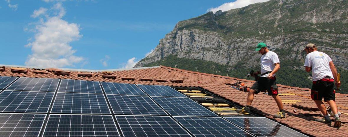 Solaire d'ici toiture photovoltaïque en montage