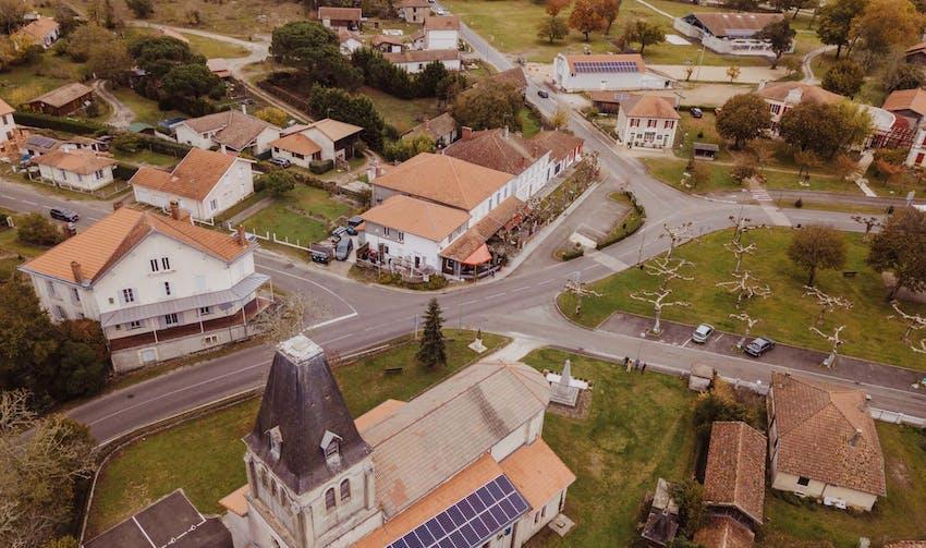 Vue sur Esource et ses centrales solaires citoyennes - crédit photo : Lycia Walter - Enercoop Nouvelle-Aquitaine