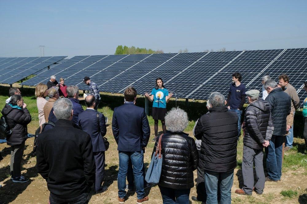 discours devant le parc solaire d'Espalmade à Cintegabelle, par Enercoop Midi-Pyrénées