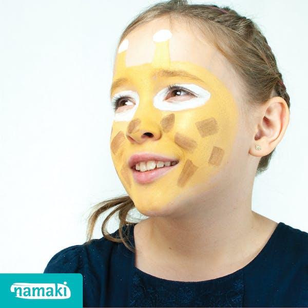 Petite fille maquillée avec Namaki Cosmetics