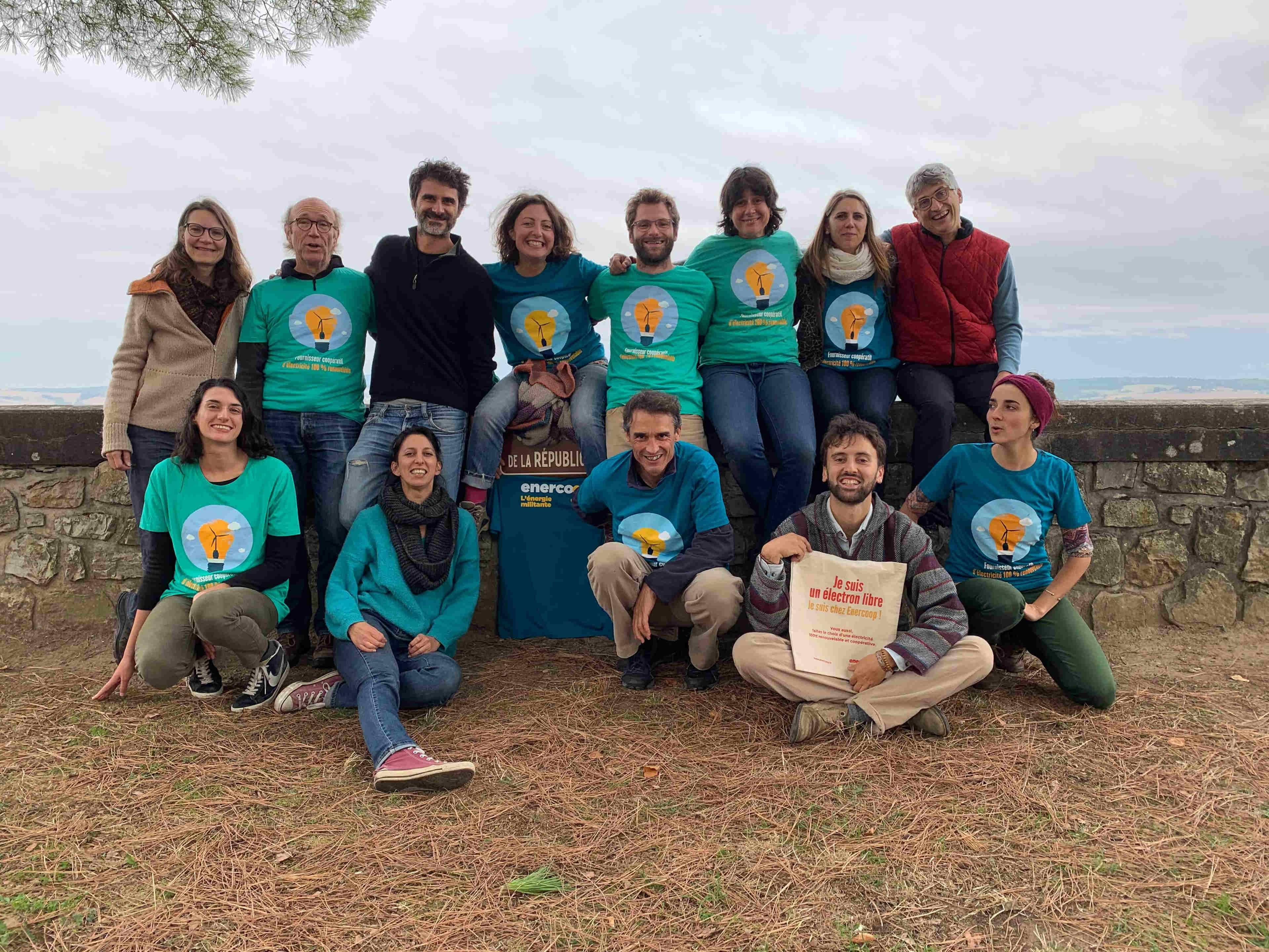 Photo d'équipe d'Enercoop Midi-Pyrénées en 2019