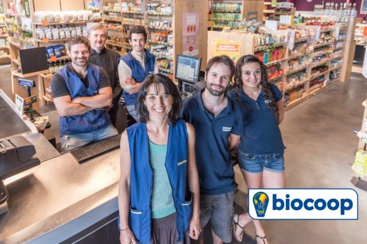 Equipe de la Biocoop l'Eveil à Saint-Paul-lès-Dax dans les Landes, magasin client d'Enercoop - Enercoop Nouvelle-Aquitaine
