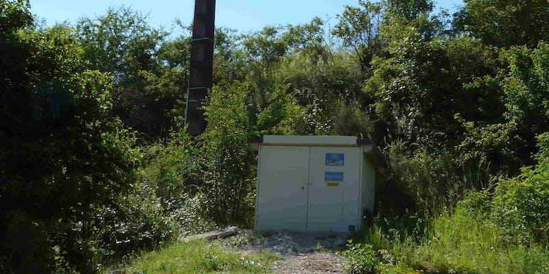 Compteur électrique au parc solaire de Villesèque