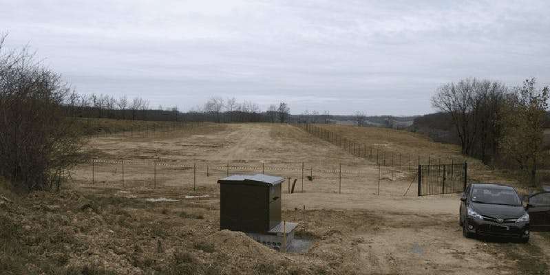 Clôture du futur parc solaire de Montéchut