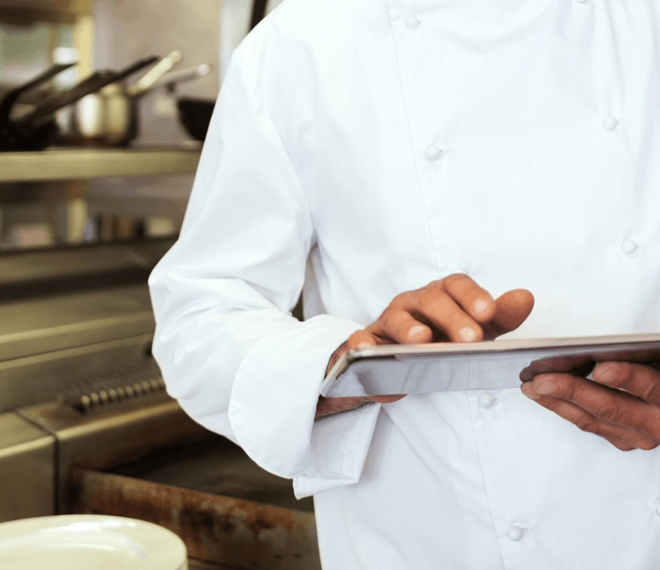 chef-adopting-technology-in-smartkitchens-kitchenplus-india