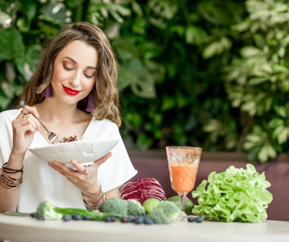 10 diete di tendenza, dal digiuno intermittente alla dieta pegan.