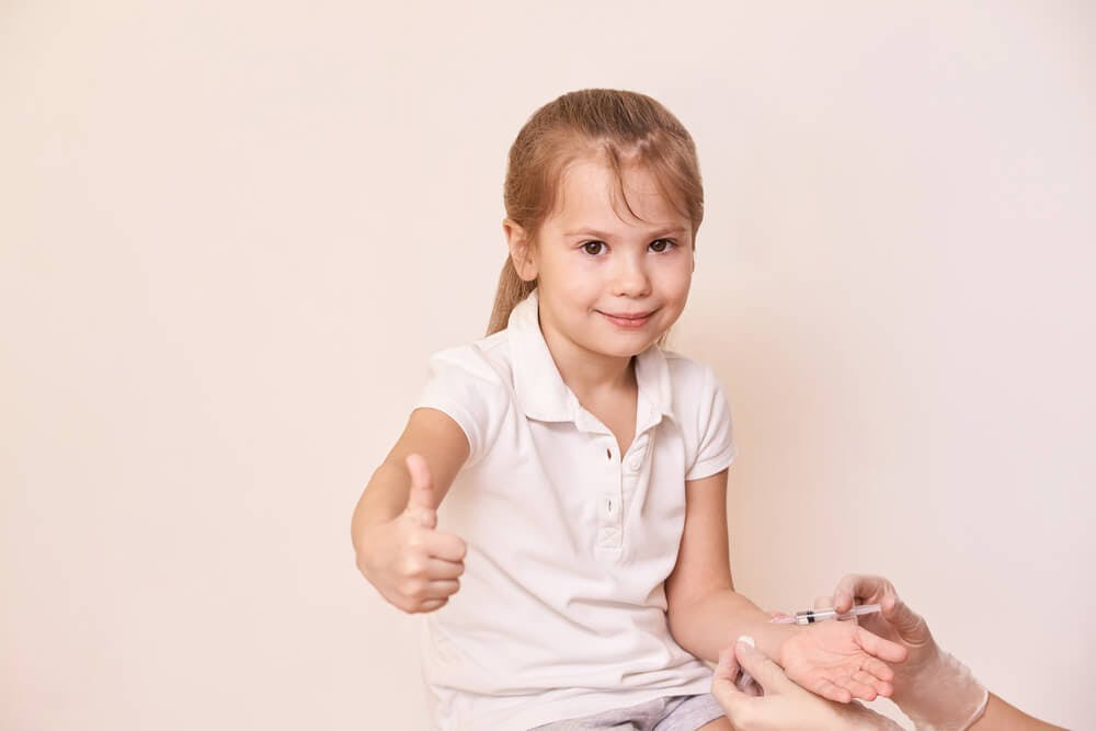 Esistono rischi o effetti collaterali dovuti al vaccino contro la meningite B?