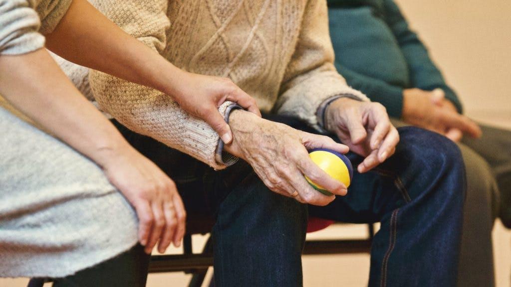 Primi sintomi di Alzheimer: la giornata tipo di un malato