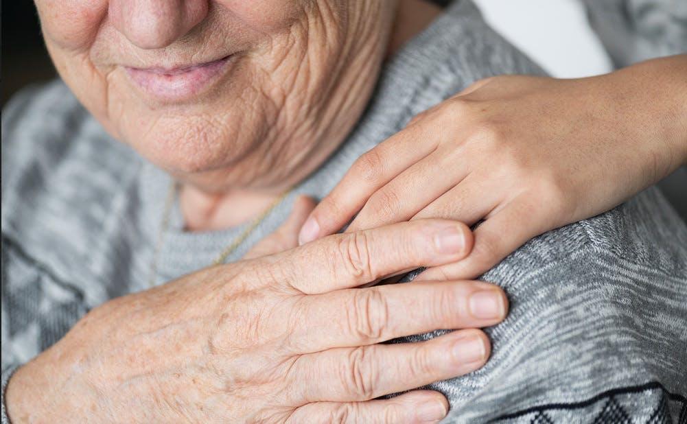 La malattia di Alzheimer può avere importanti ripercussioni psicologiche anche sui familiari.