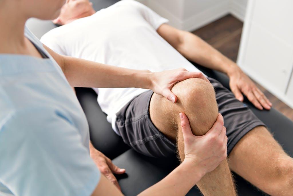 Riabilitazione del ginocchio: intervista al fisioterapista