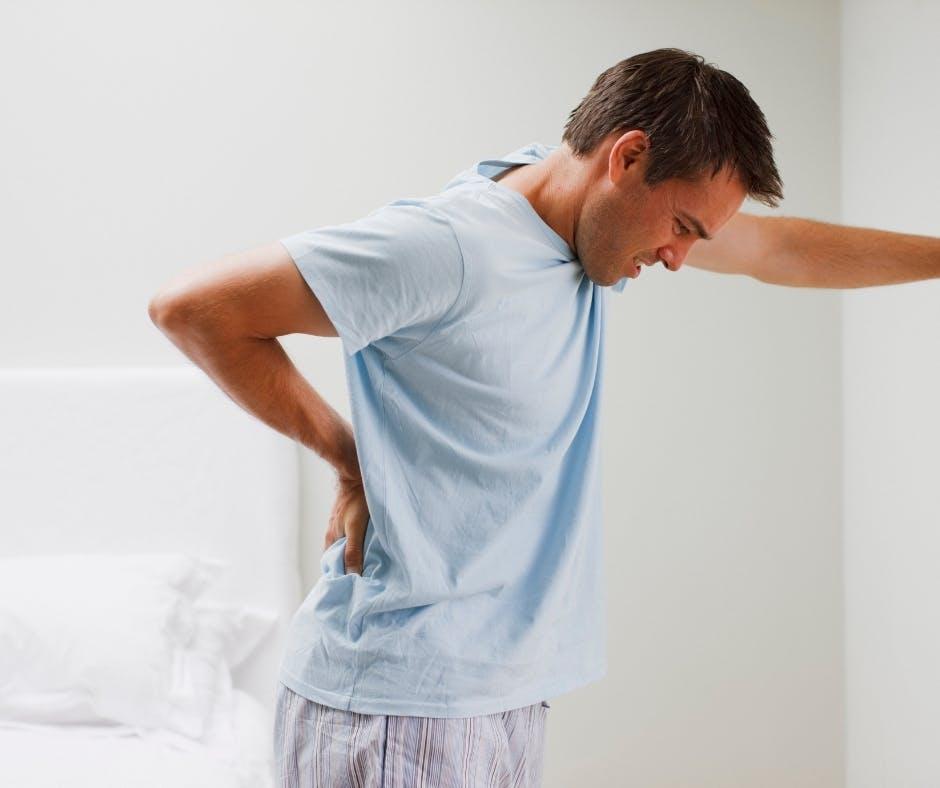 Lombalgia e dolori alla schiena bassa: cause e rimedi