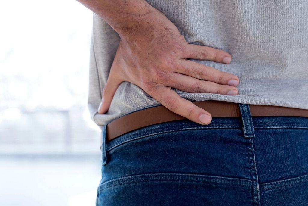 Nervo sciatico infiammato: sintomi e rimedi