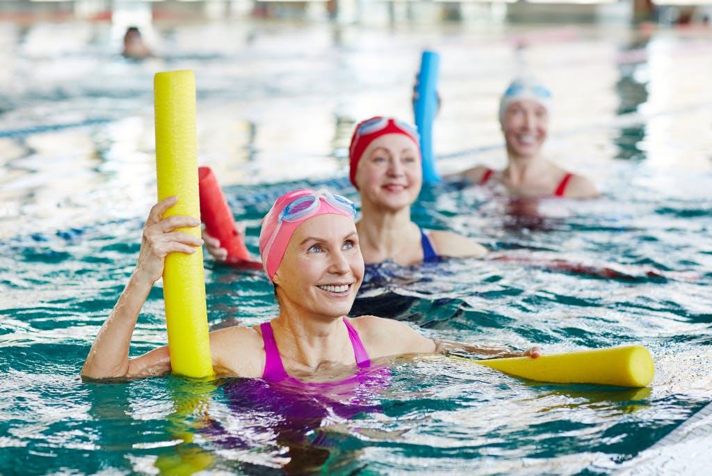 Riabilitazione motoria in acqua, un'ottima terapia per gli anziani.