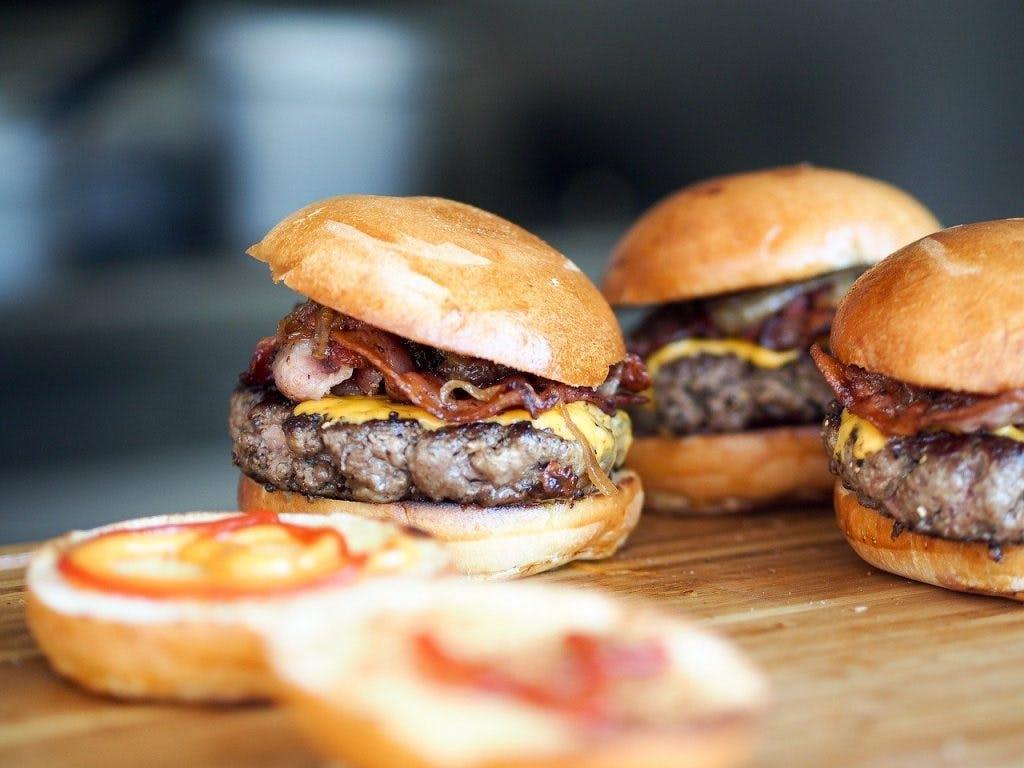 Bulimia e binge eating: come riconoscerli?
