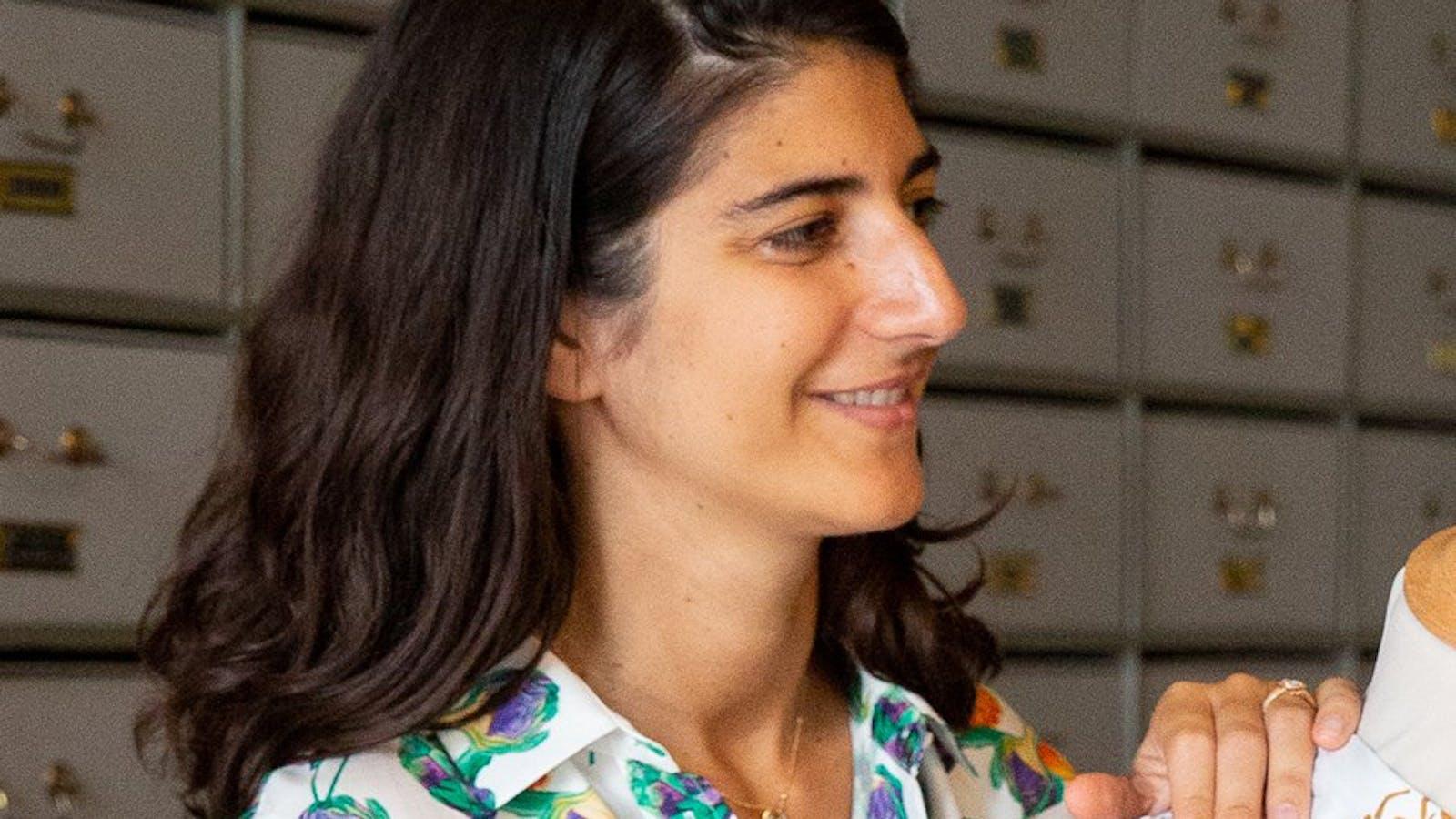 Portrait d'Aurélie Boutboul en couleurs