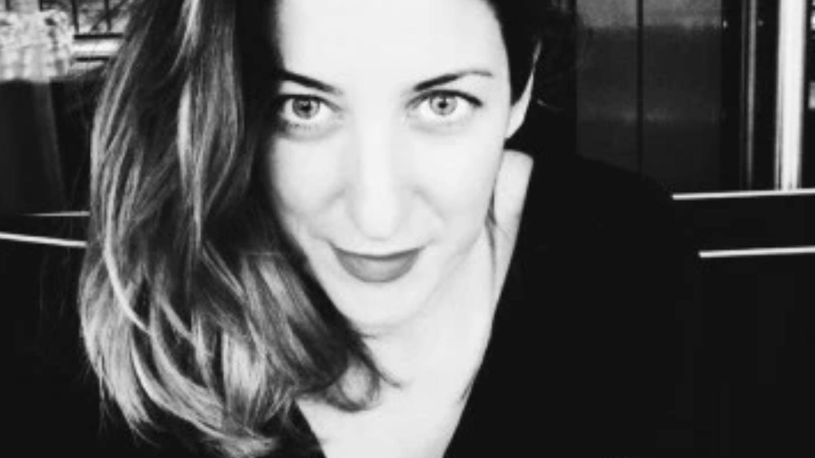Portrait de Elodie Jacquemond en noir et blanc