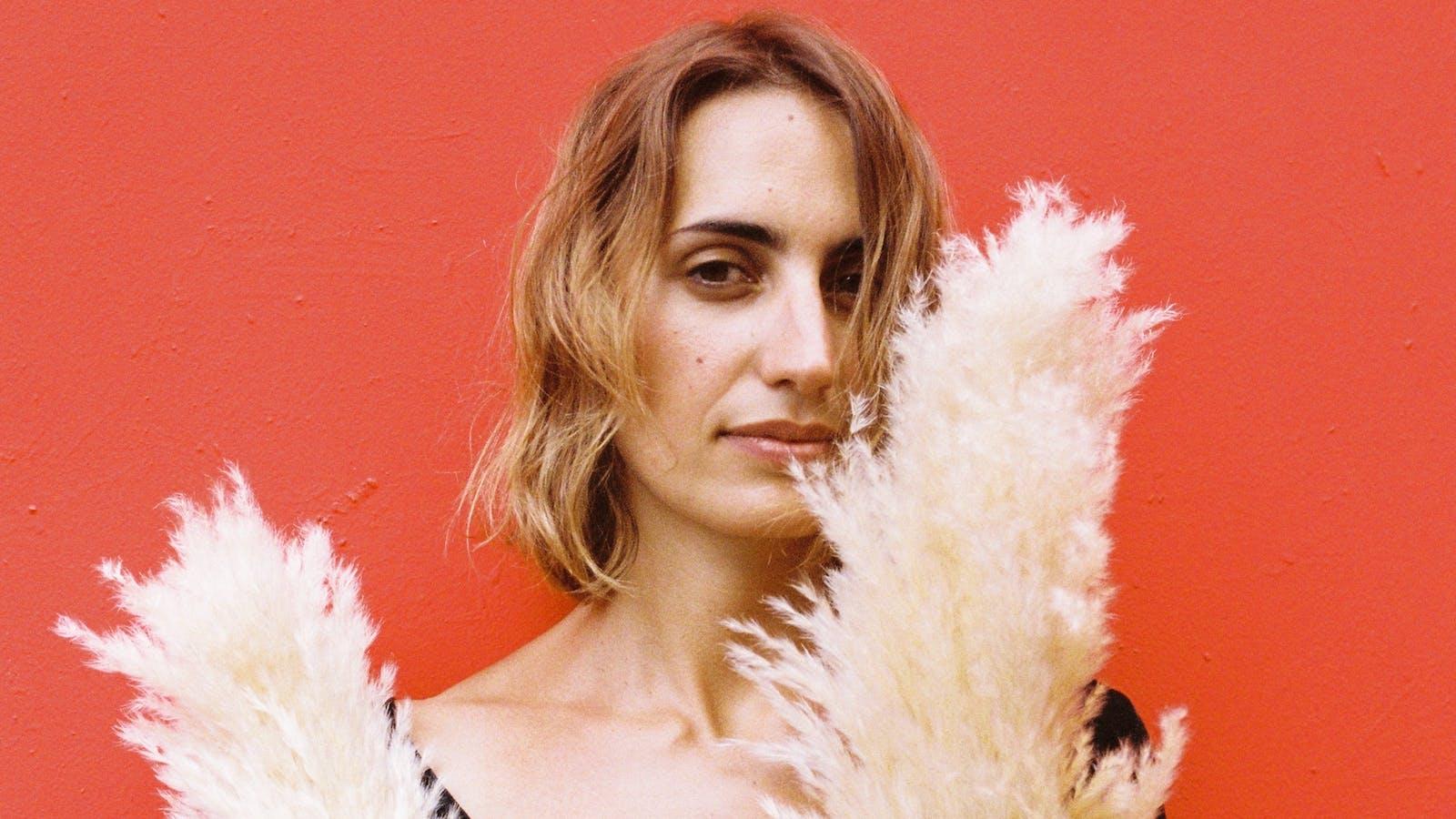 Portrait de Noélie Balez en couleurs