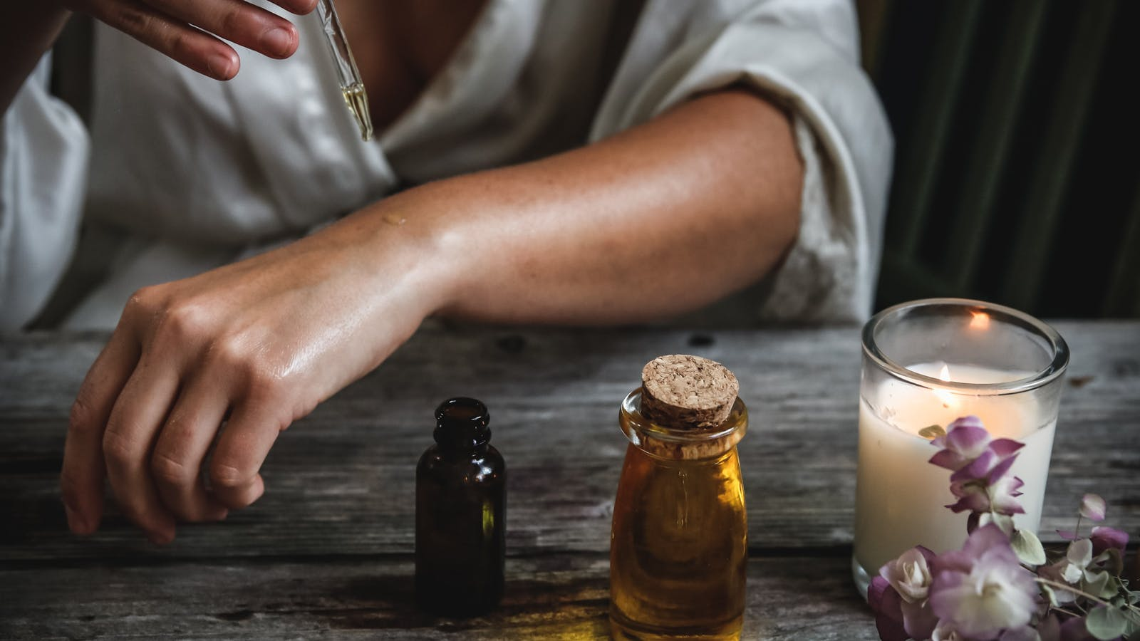huiles essentielles et bougie