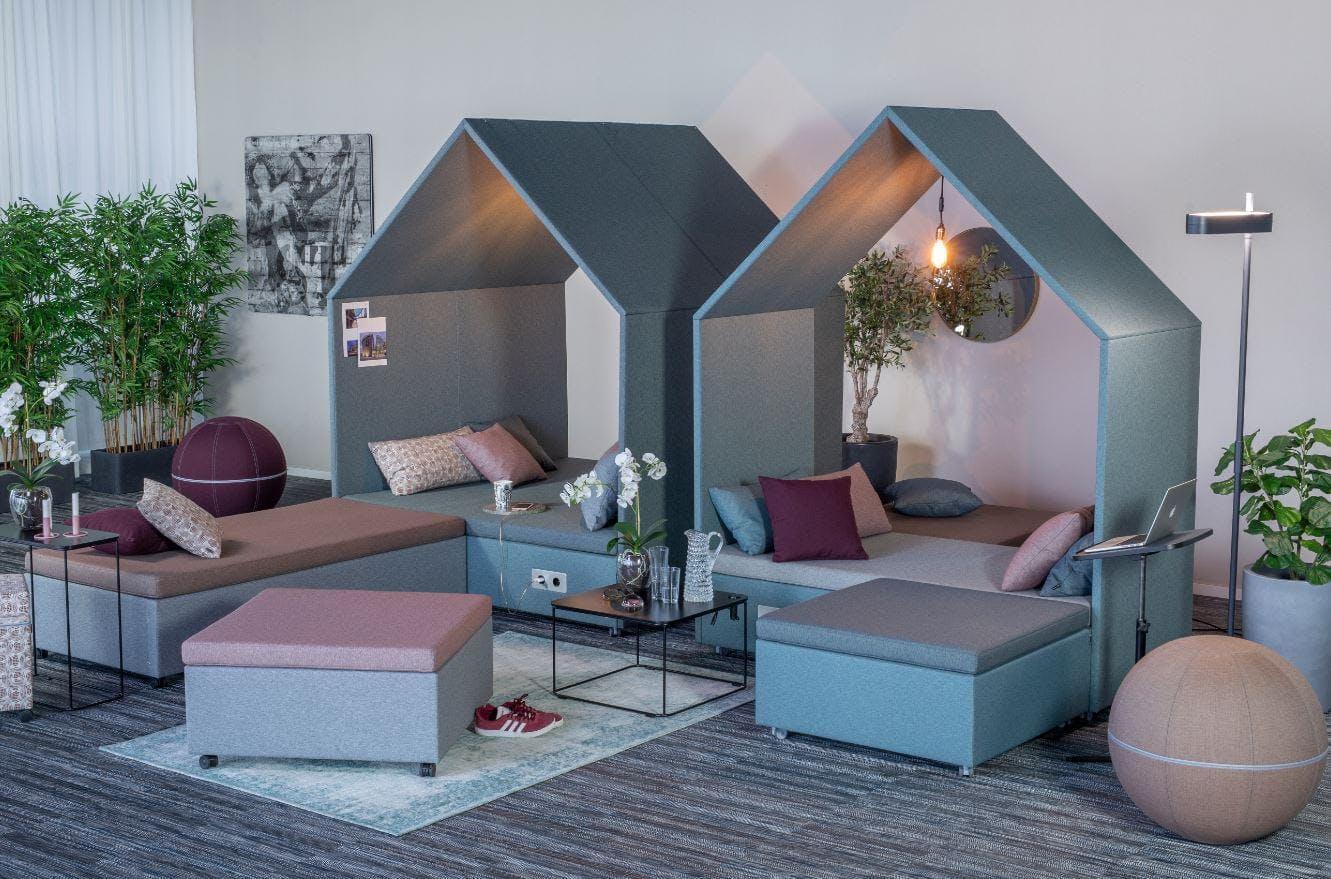 The Hut Lounge num 5